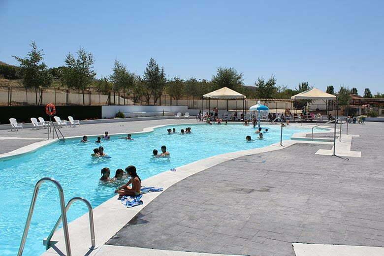 camping-con-piscina
