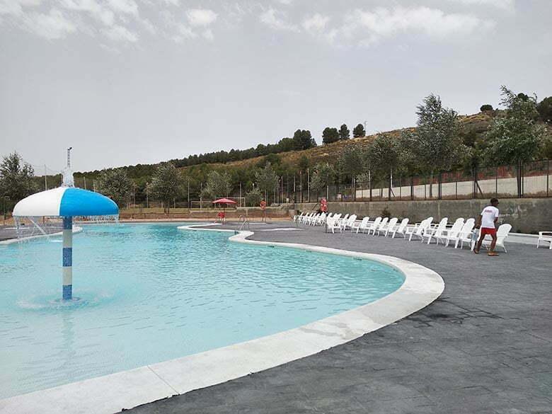 camping-familiar-con-piscina