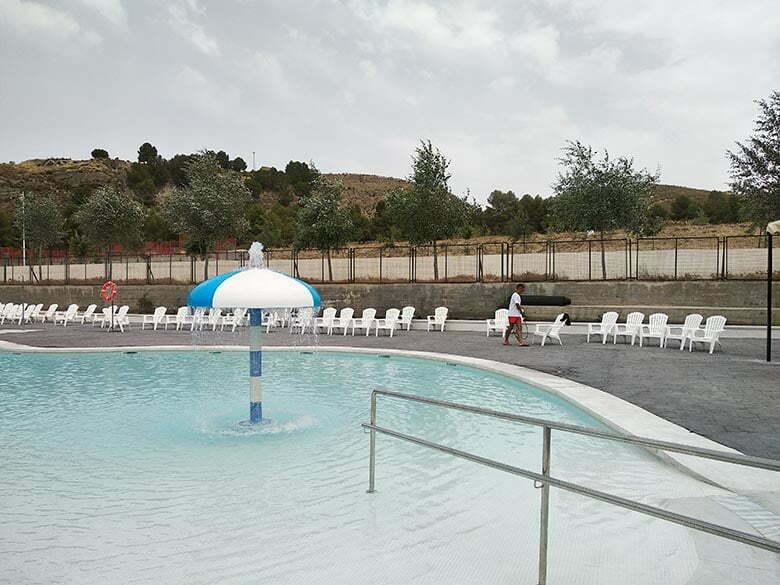 camping-con-piscina-para-familias