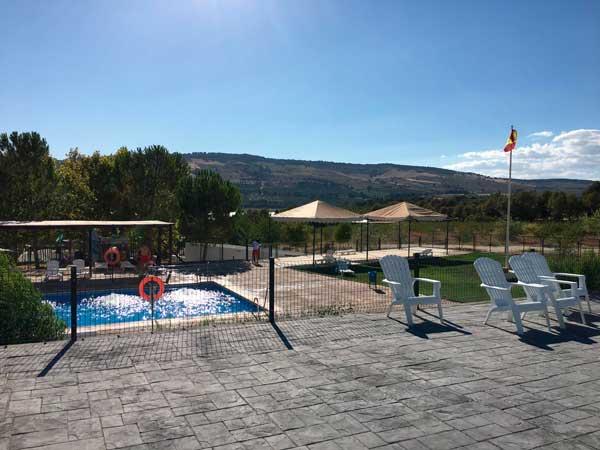 camping-con-piscina-adaptada-familiar