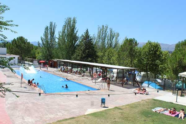 camping-con-piscina-adaptada