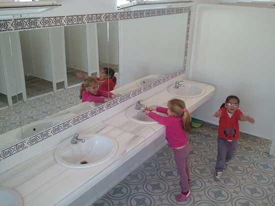 duchas-y-aseos-camping-bermejales-1