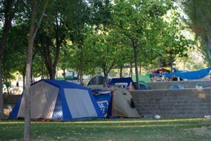 percela-cesped-camping-bermejales-12