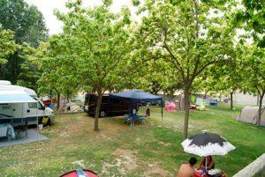 percela-cesped-camping-bermejales-9
