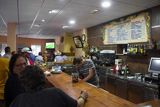 servicios-camping-granada-bar-terraza-(3)