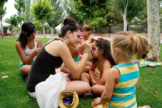 servicios-camping-rural-bermejales-animacion-infantil-(1)