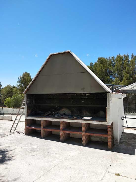 servicios-camping-rural-granada-barbacoa-(4)