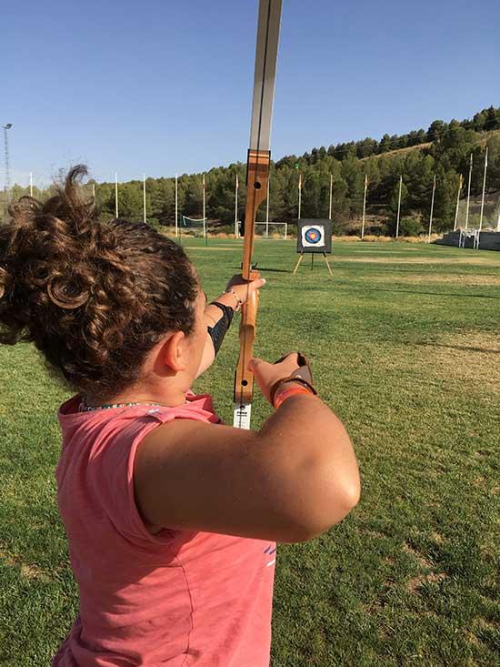 tiro-con-arco-actividades-camping-2