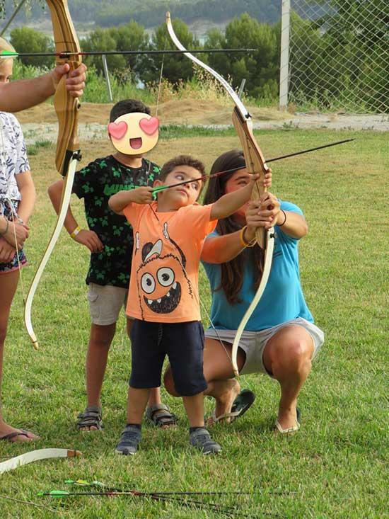 tiro-con-arco-actividades-camping-(7)